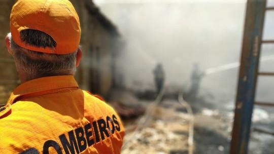 Curto-circuito em ventilador provoca incêndio em casa em Atalaia, AL