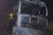 Caminhão pega fogo em Palmeira dos Índios, AL