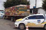 Fiscalização flagra transporte de cerca de 2 mil frangos vivos sem documentação em Arapiraca, AL