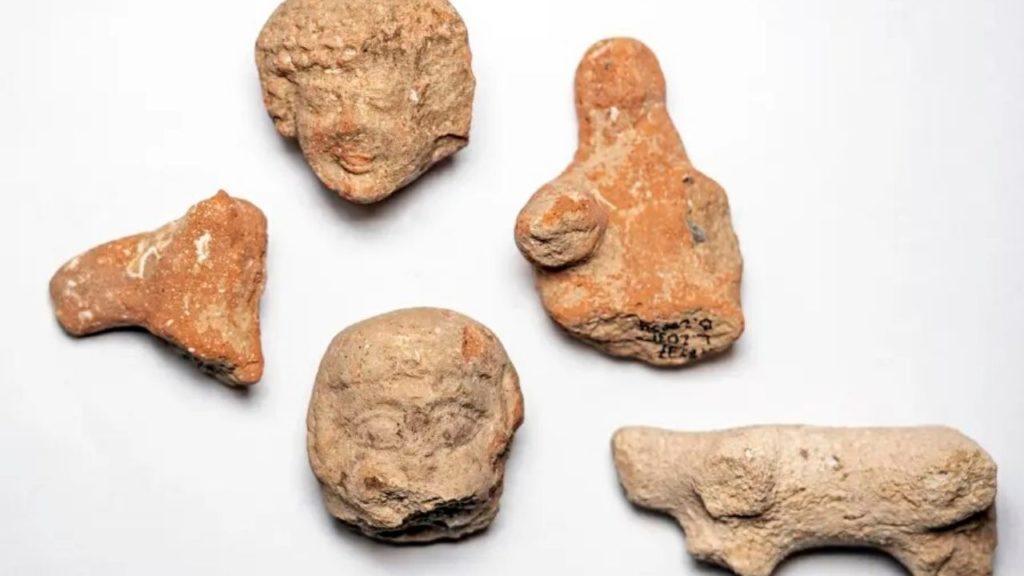 Arqueólogos descobrem selos que confirmam relato bíblico sobre os reis Ezequias e Manassés