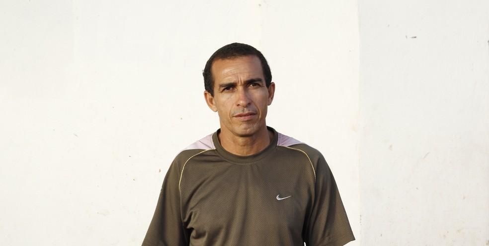 Técnico do Murici, Elenilson acha prematuro o retorno do Alagoano