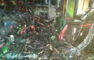 Incêndio destrói residência e depósito de bebidas em Maceió; 4 pessoas foram socorridas