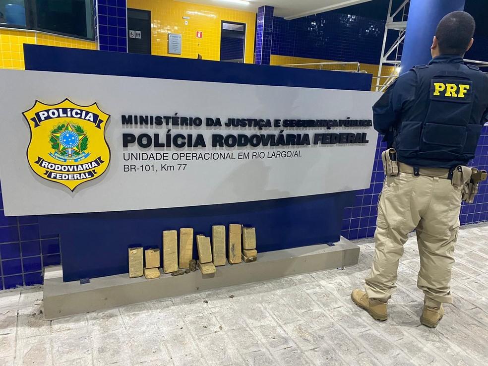 PRF prende homem e apreende 5 kg de maconha na BR-101 em Rio Largo, AL