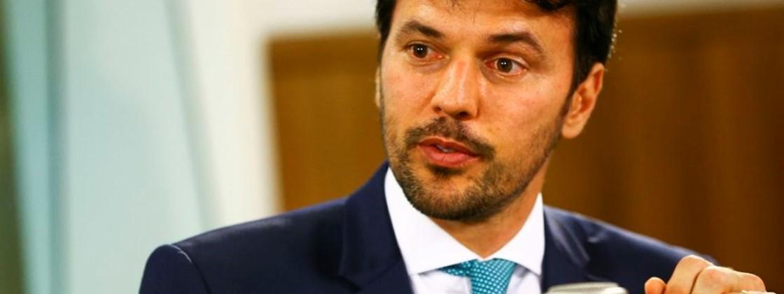 Leilão do 5G no Brasil será em abril ou maio de 2021, diz ministro