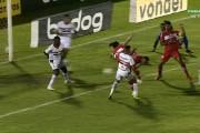 Atacante do CRB, Léo Gamalho marca o 18º gol em 2020, passa Nenê e vira o artilheiro do Brasil