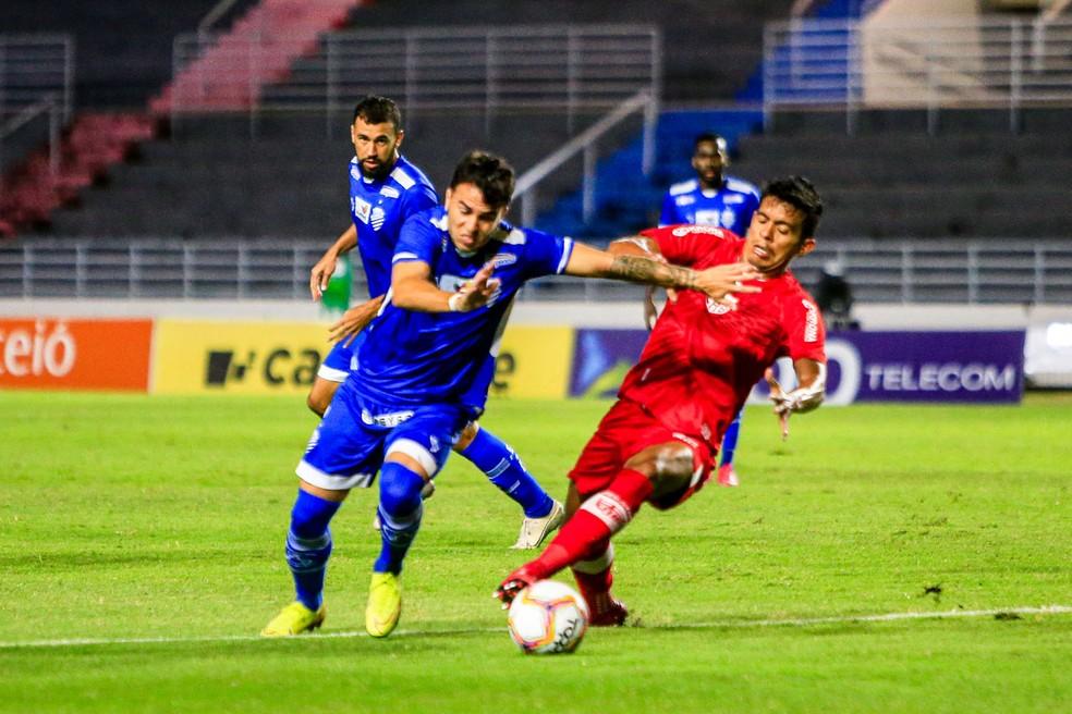 Andrigo comenta sequência no time e evolução do CSA no Brasileiro: