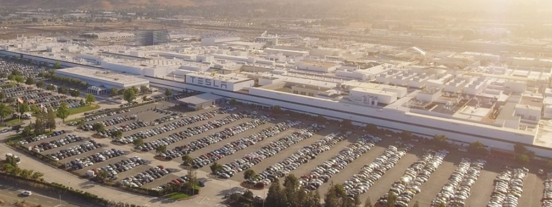 Tesla vai investir US$ 12 bi em carros elétricos e baterias até 2022
