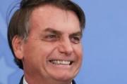 Bolsonaro anuncia redução de impostos acima de consoles e acessórios