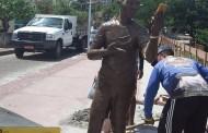 'Não somos ingratos. Não pedimos a retirada', dizem moradores sobre estátua de Carlinhos Maia em Penedo, AL