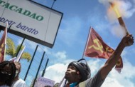 Vândalos esquerdistas invadem rede de supermercado em Salvador, causando tumultos, sob pretexto de defesa dos negros.