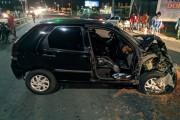 Acidente entre dois carros deixa motorista preso às ferragens em Arapiraca, AL