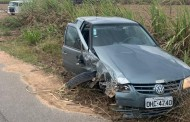 Idoso fica preso às ferragens após carro capotar em Arapiraca, AL