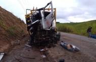 Uma pessoa morre e duas ficam feridas em acidente com caminhões na AL-105