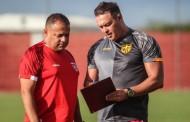 Roberto Fernandes aposta na maturidade do CRB para estreia no Alagoano: