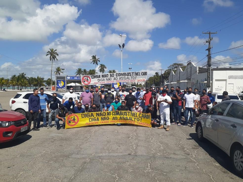 Protesto em Maceió questiona aumento recorrente nos preços dos combustíveis