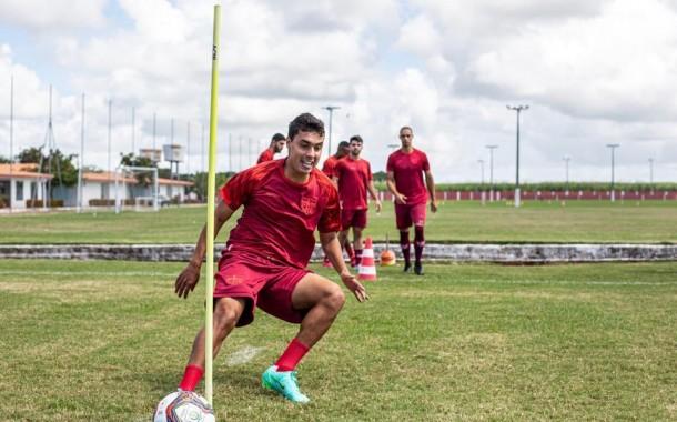 CRB poderá contar com Celsinho, Alisson Farias e Vitão para enfrentar o Confiança