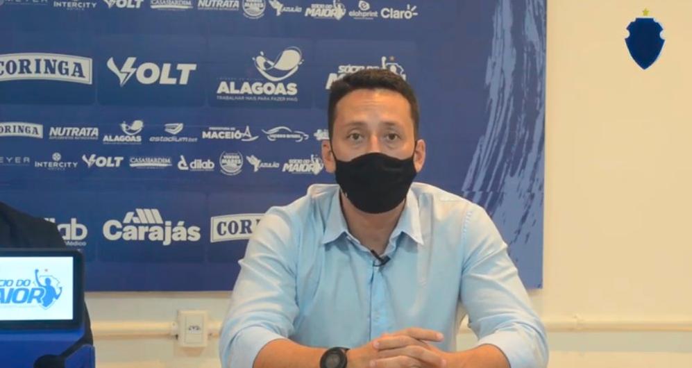 Executivo Ítalo Rodrigues é apresentado pelo CSA e diz que participou da contratação de Ney Franco