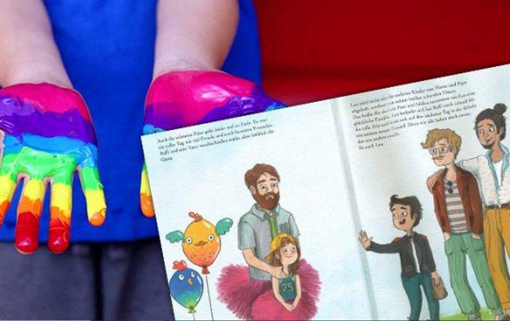 McDonald's insere livro LGBT como brinde do McLanche Feliz