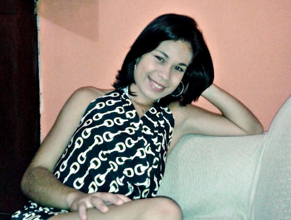 Decisão judicial impede liberação da ossada de Roberta Dias no IML para sepultamento