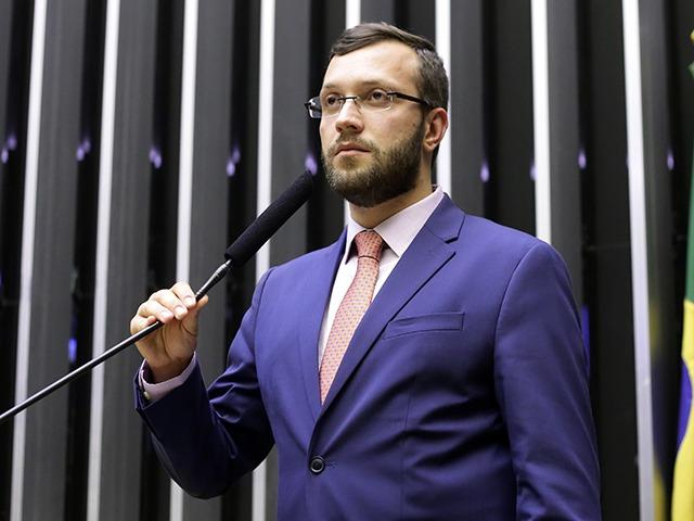 """Relator da PEC do voto impresso auditável, Filipe Barros mostra otimismo: """"Estou convicto da aprovação"""""""