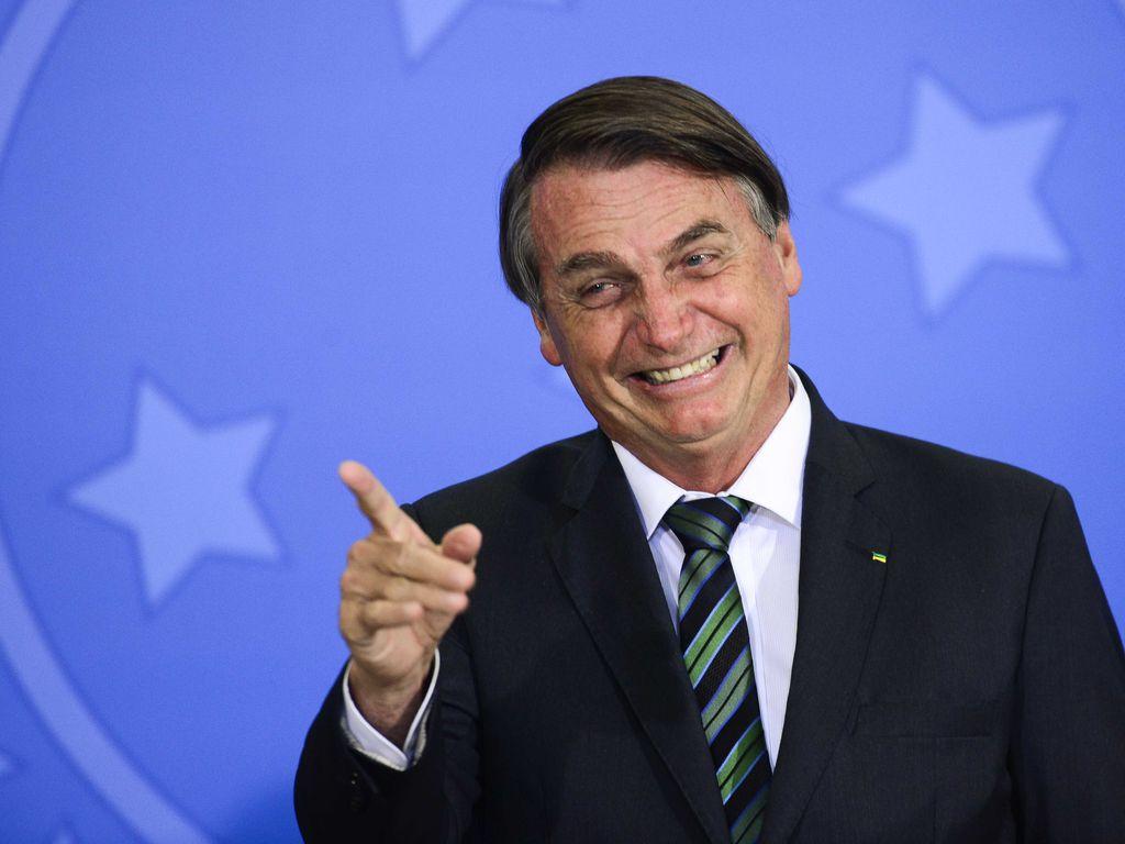 URGENTE: Bolsonaro entrega PEC que reformula Bolsa Família para R$ 400 ao Congresso