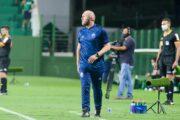Mozart diz que gols sofridos no início e no fim do 1º tempo complicaram a missão do CSA em Goiânia: