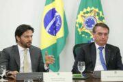 O Ministério das Comunicações fica calado em meio a censura do YouTube ao presidente Bolsonaro